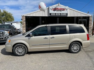 Auto-Chrysler-Town & Country